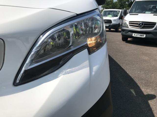 2018 Peugeot Expert 1000 1.6BLUEHDI 95PS PROFESSIONAL EURO 6 (NV18NDZ) Image 31