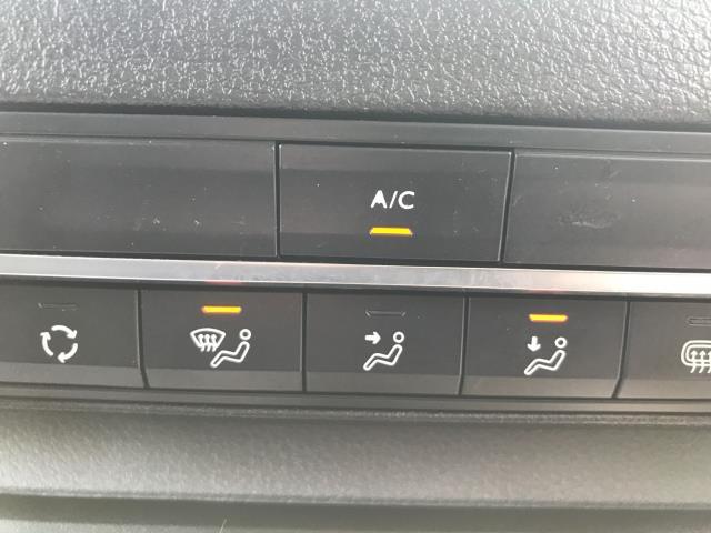 2018 Peugeot Expert 1000 1.6BLUEHDI 95PS PROFESSIONAL EURO 6 (NV18NDZ) Image 12