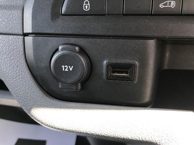 2018 Peugeot Expert 1000 1.6BLUEHDI 95PS PROFESSIONAL EURO 6 (NV18NDZ) Image 13