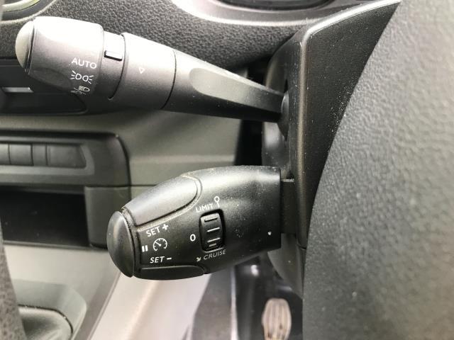 2018 Peugeot Expert 1000 1.6BLUEHDI 95PS PROFESSIONAL EURO 6 (NV18NFE) Image 27