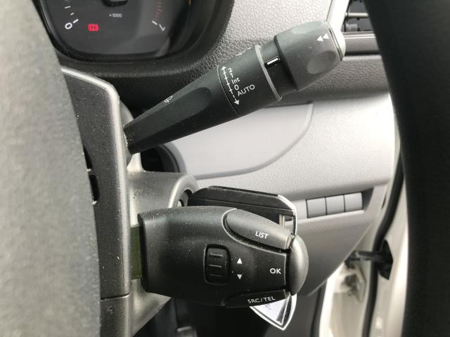 2018 Peugeot Expert 1000 1.6BLUEHDI 95PS PROFESSIONAL EURO 6 (NV18NFE) Image 28