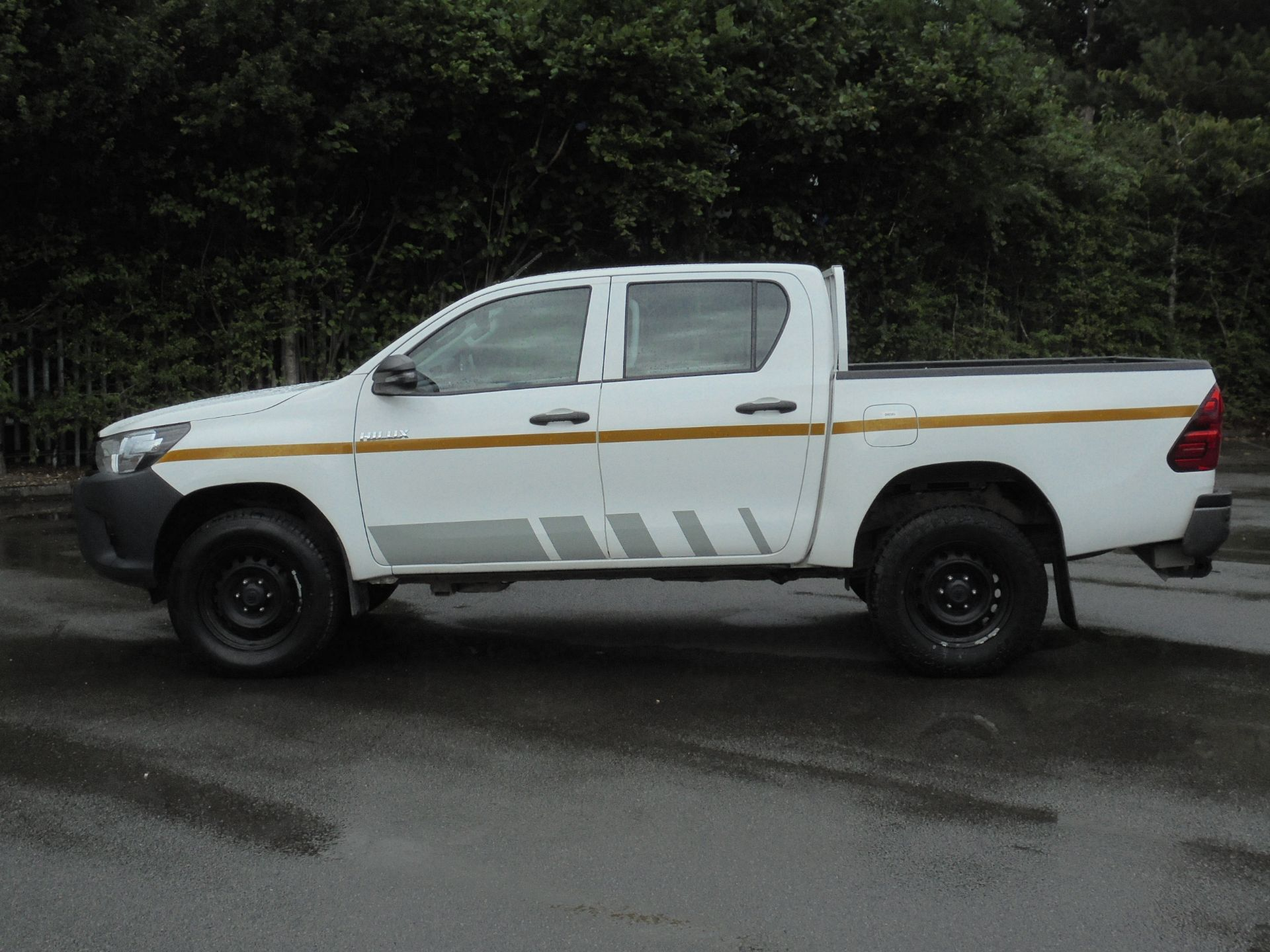 2018 Toyota Hilux Active D/Cab Pick Up 2.5 D-4D 4Wd 144 (NV18NTC) Image 4
