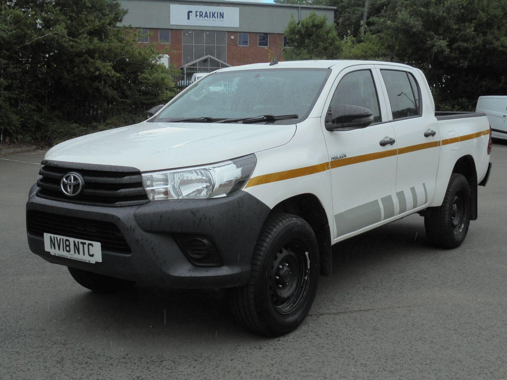 2018 Toyota Hilux Active D/Cab Pick Up 2.5 D-4D 4Wd 144 (NV18NTC) Image 3