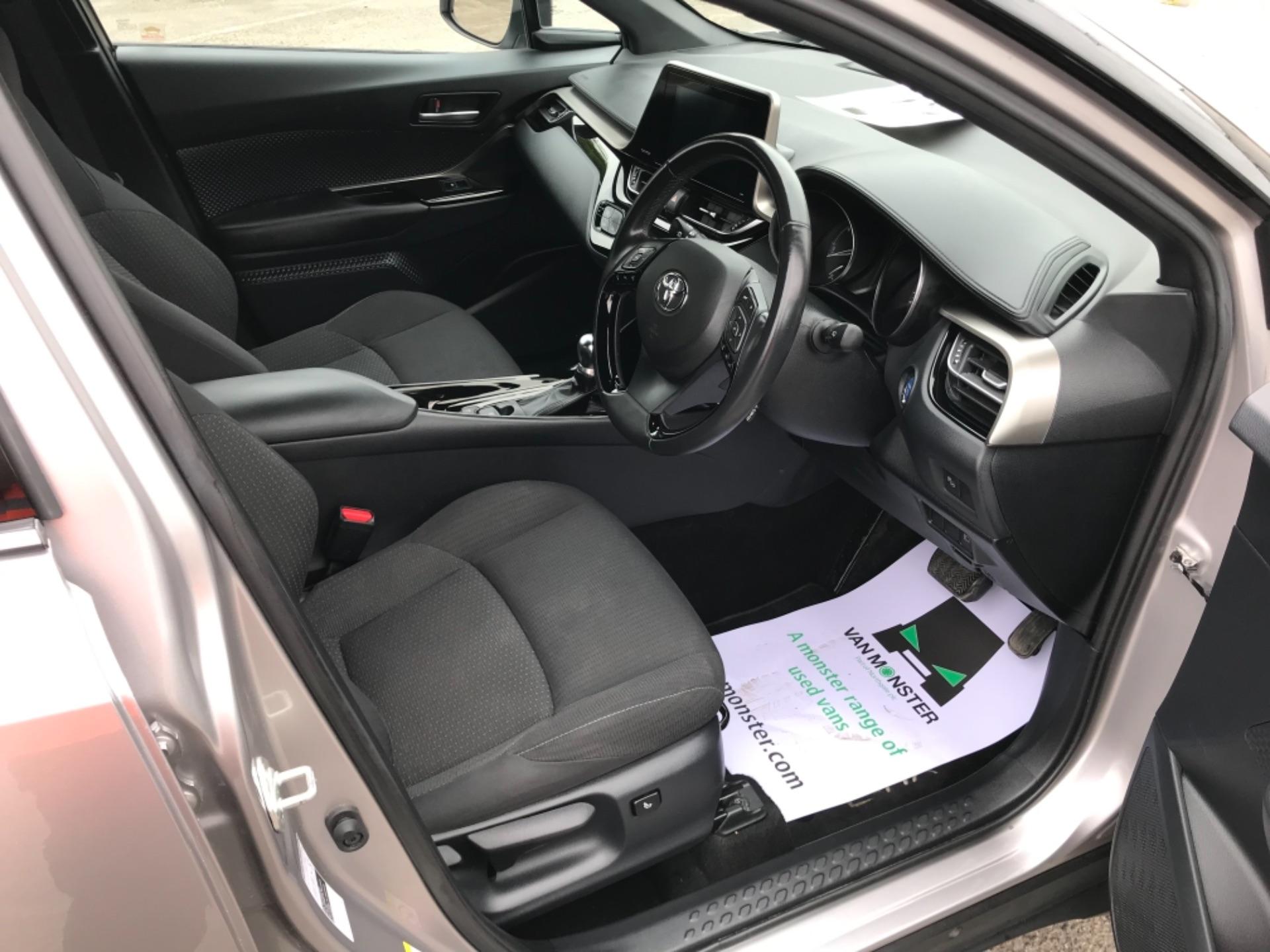 2018 Toyota C-Hr 1.8 Hybrid Dynamic 5Dr Cvt (NV18NVX) Image 10