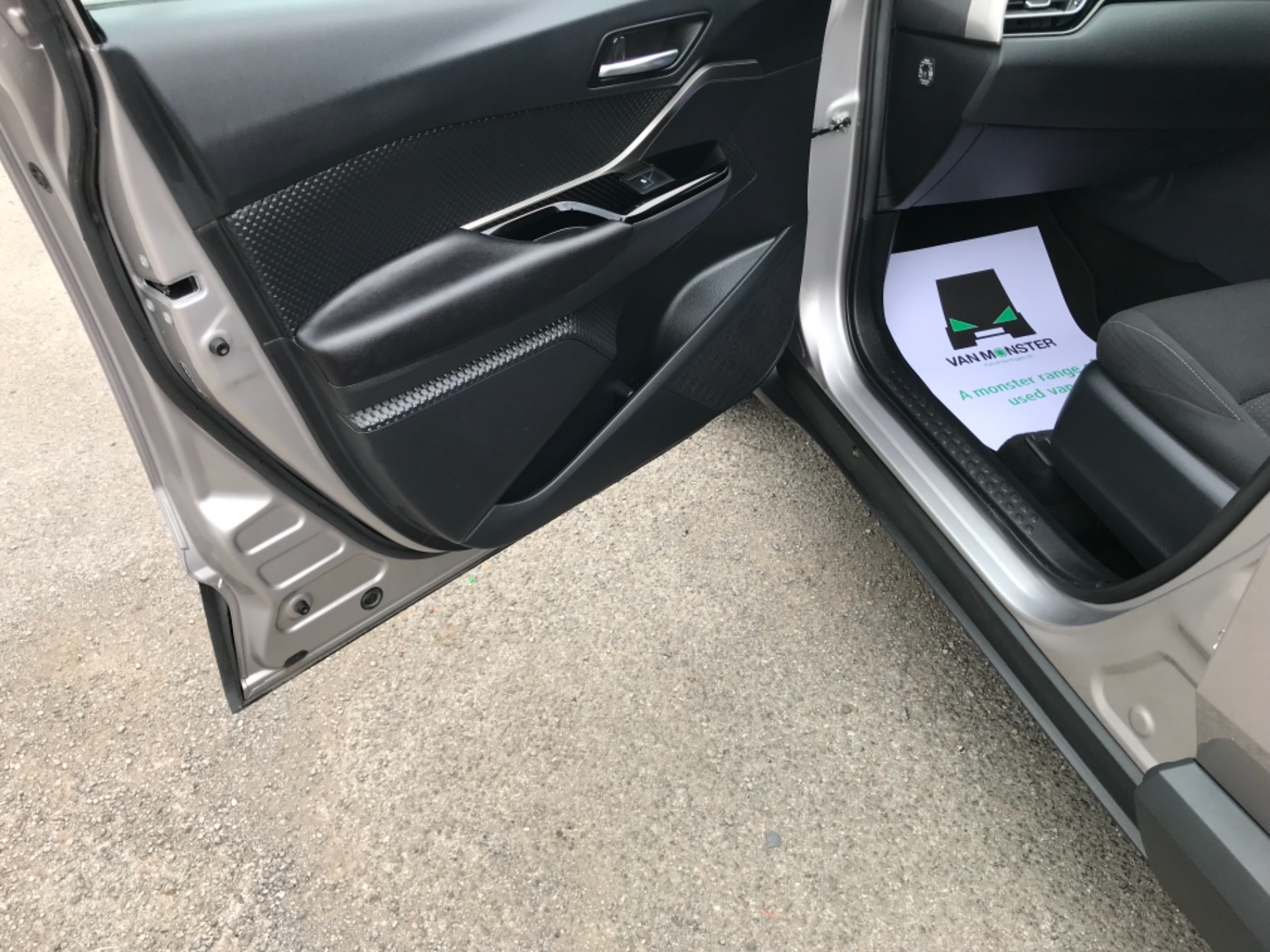 2018 Toyota C-Hr 1.8 Hybrid Dynamic 5Dr Cvt (NV18NVX) Image 39