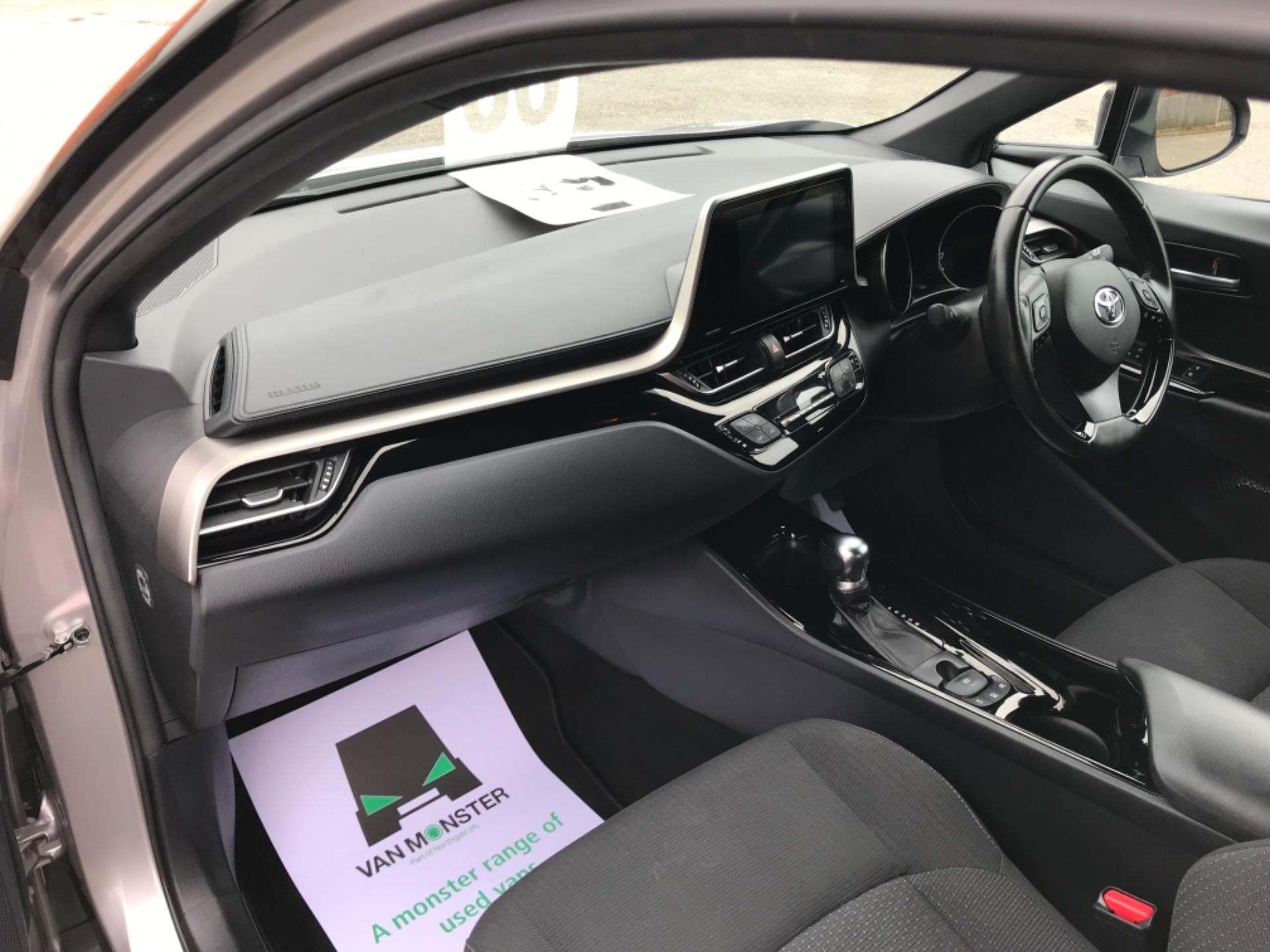 2018 Toyota C-Hr 1.8 Hybrid Dynamic 5Dr Cvt (NV18NVX) Image 37