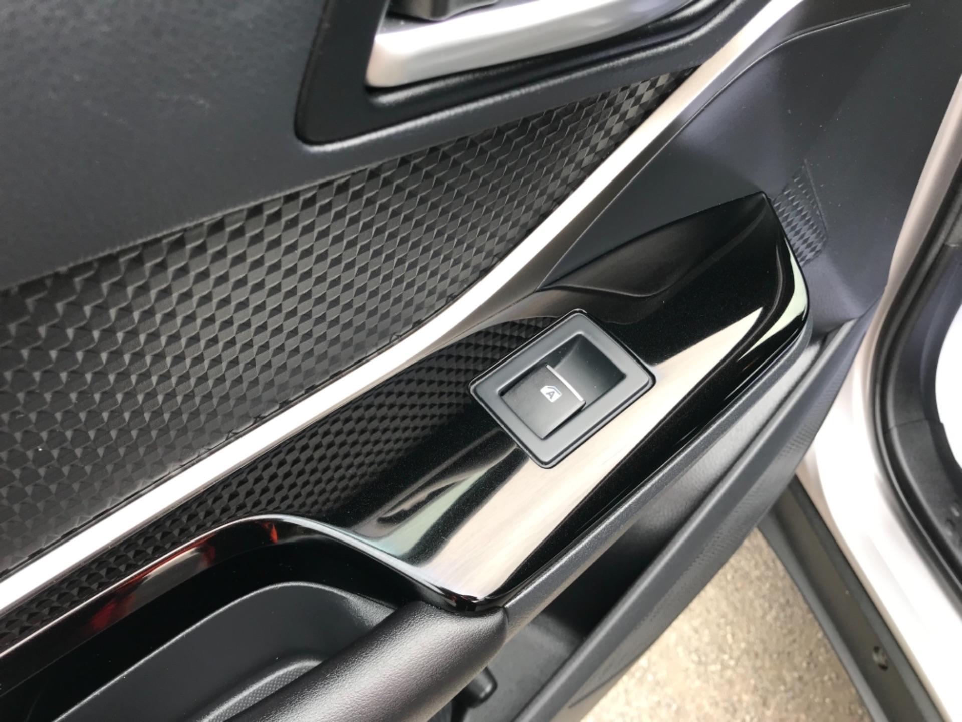 2018 Toyota C-Hr 1.8 Hybrid Dynamic 5Dr Cvt (NV18NVX) Image 41
