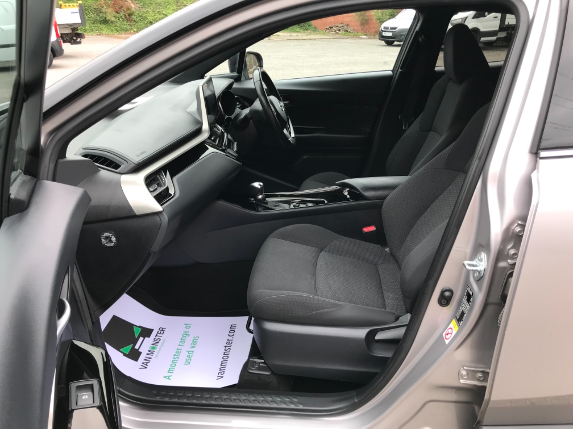 2018 Toyota C-Hr 1.8 Hybrid Dynamic 5Dr Cvt (NV18NVX) Image 38