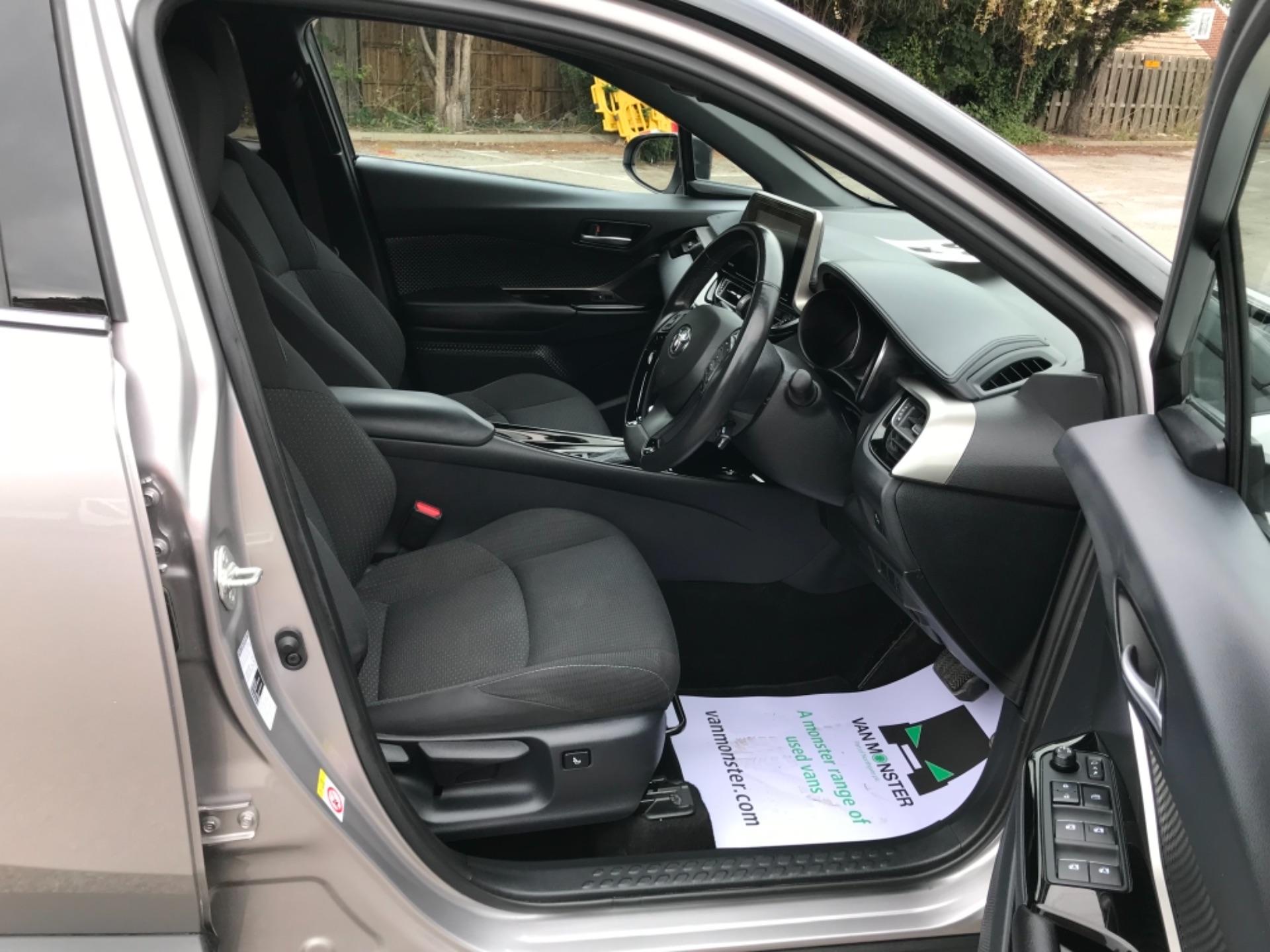 2018 Toyota C-Hr 1.8 Hybrid Dynamic 5Dr Cvt (NV18NVX) Image 12