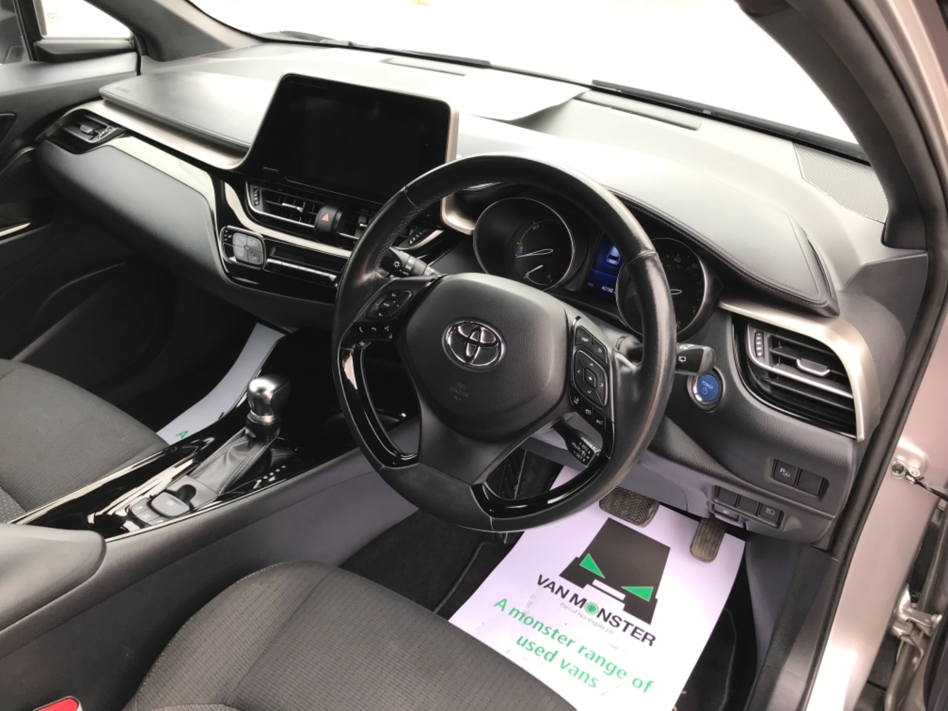 2018 Toyota C-Hr 1.8 Hybrid Dynamic 5Dr Cvt (NV18NVX) Image 11