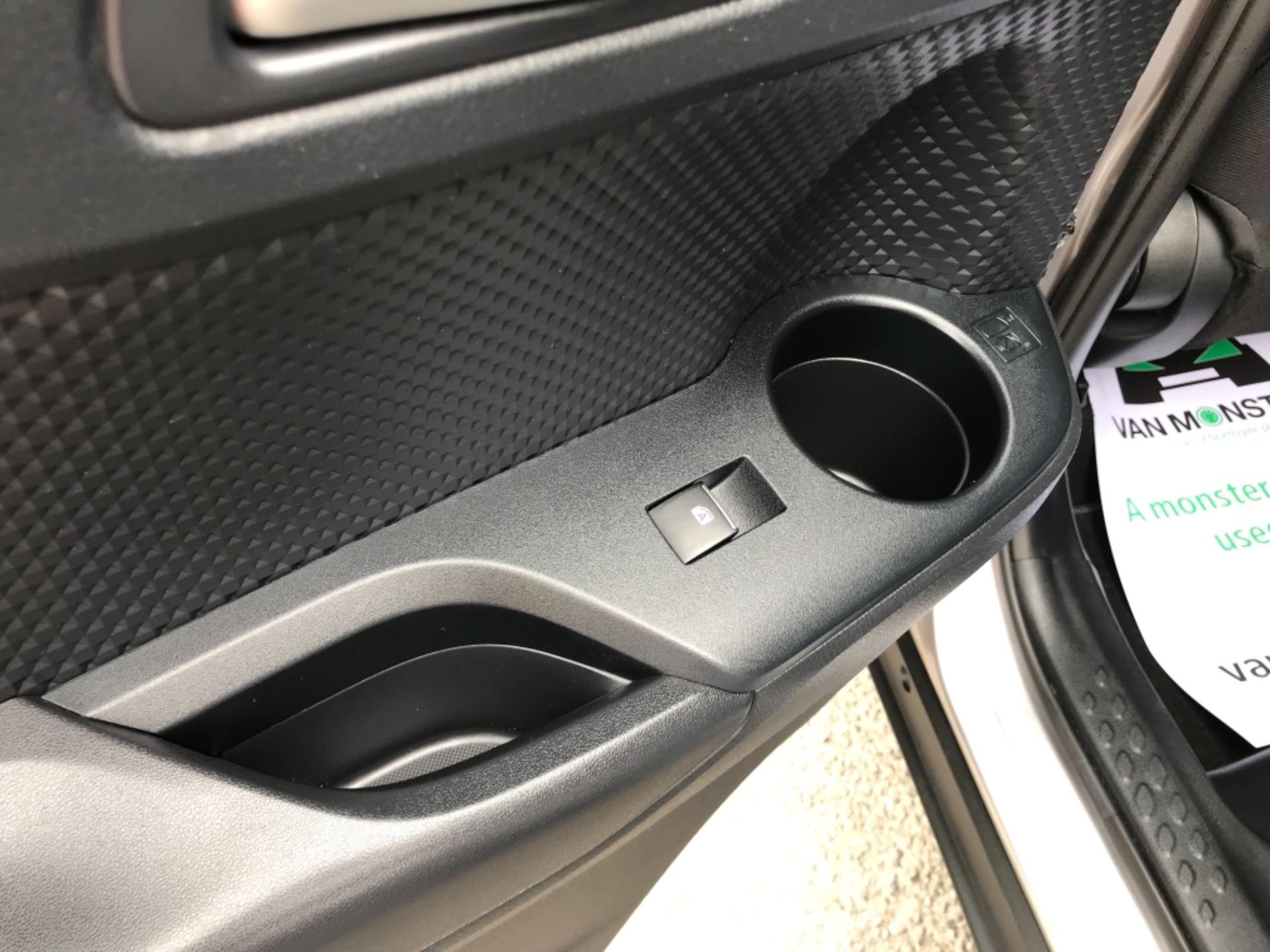 2018 Toyota C-Hr 1.8 Hybrid Dynamic 5Dr Cvt (NV18NVX) Image 46