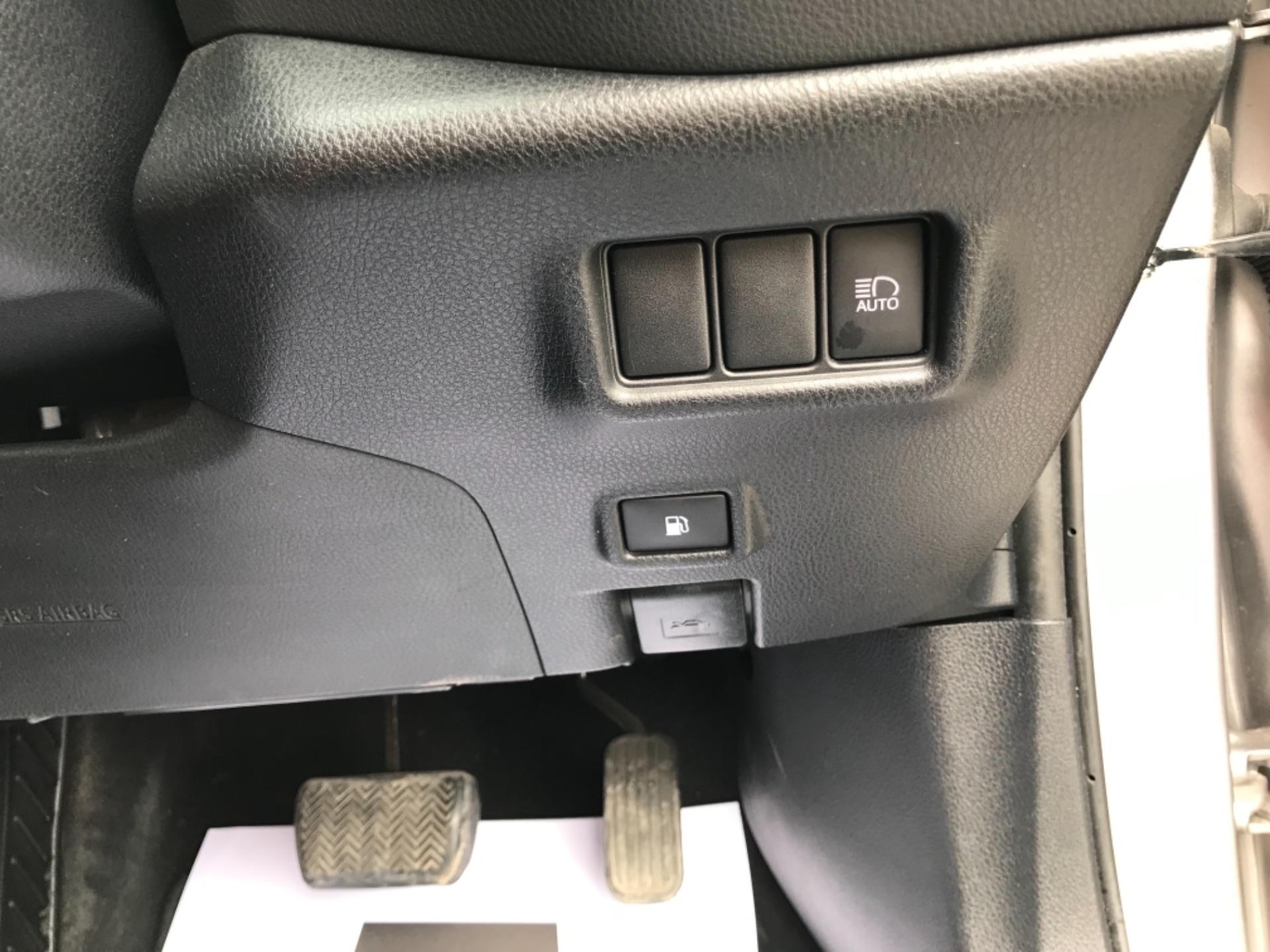 2018 Toyota C-Hr 1.8 Hybrid Dynamic 5Dr Cvt (NV18NVX) Image 21