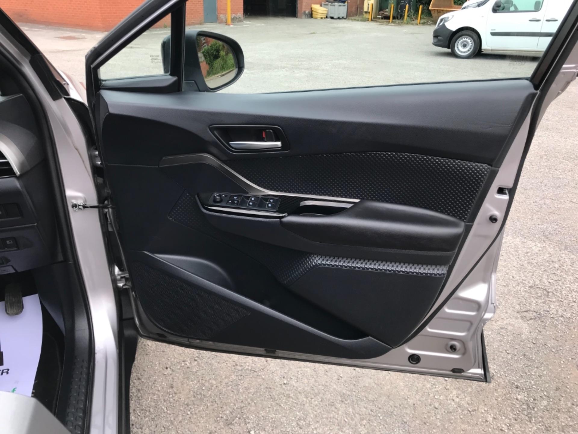 2018 Toyota C-Hr 1.8 Hybrid Dynamic 5Dr Cvt (NV18NVX) Image 14