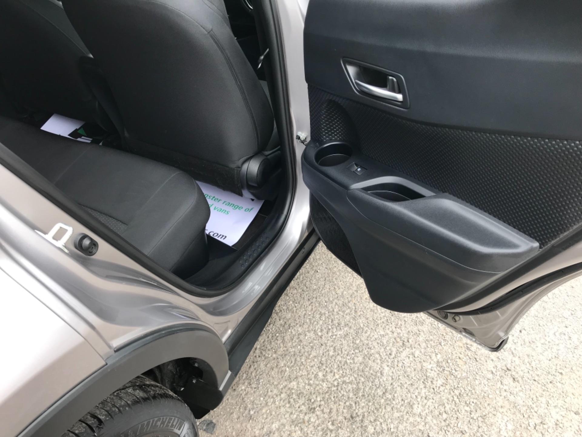 2018 Toyota C-Hr 1.8 Hybrid Dynamic 5Dr Cvt (NV18NVX) Image 49