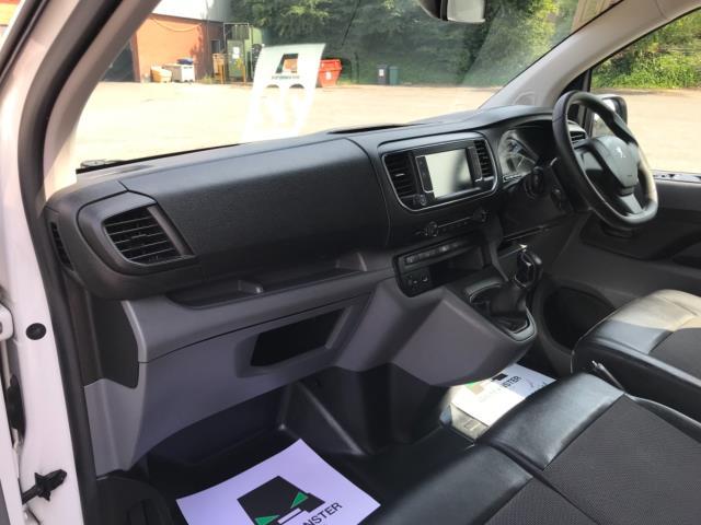 2018 Peugeot Expert 1000 1.6 Bluehdi 95 Professional Van Euro 6 *70mph speed limited* (NV18OAU) Image 24