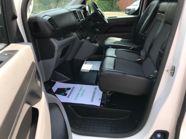 2018 Peugeot Expert 1000 1.6 Bluehdi 95 Professional Van Euro 6 *70mph speed limited* (NV18OAU) Image 25