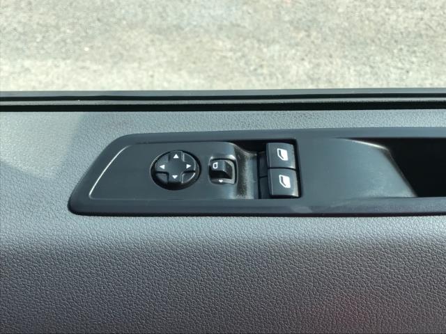 2018 Peugeot Expert 1000 1.6 Bluehdi 95 Professional Van Euro 6 *70mph speed limited* (NV18OAU) Image 19