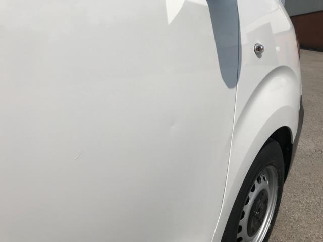 2018 Peugeot Expert 1000 1.6 Bluehdi 95 Professional Van Euro 6 *70mph speed limited* (NV18OAU) Image 41