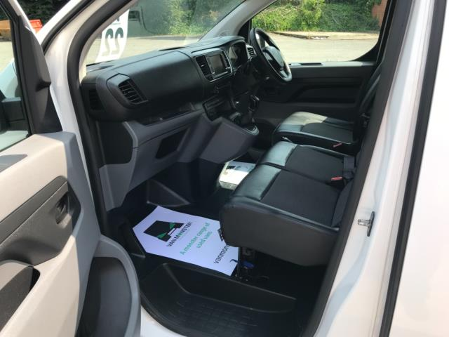 2018 Peugeot Expert 1000 1.6 Bluehdi 95 Professional Van Euro 6 *70mph speed limited* (NV18OAU) Image 23