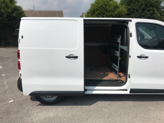 2018 Peugeot Expert 1000 1.6 Bluehdi 95 Professional Van Euro 6 *70mph speed limited* (NV18OAU) Image 39