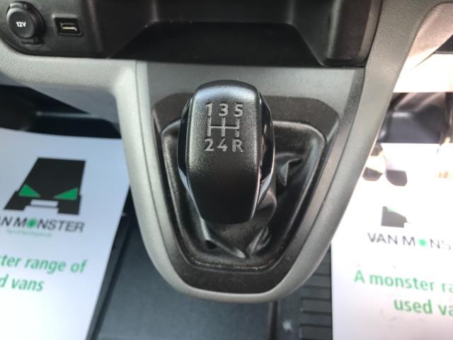 2018 Peugeot Expert 1000 1.6 Bluehdi 95 Professional Van Euro 6 *70mph speed limited* (NV18OAU) Image 22