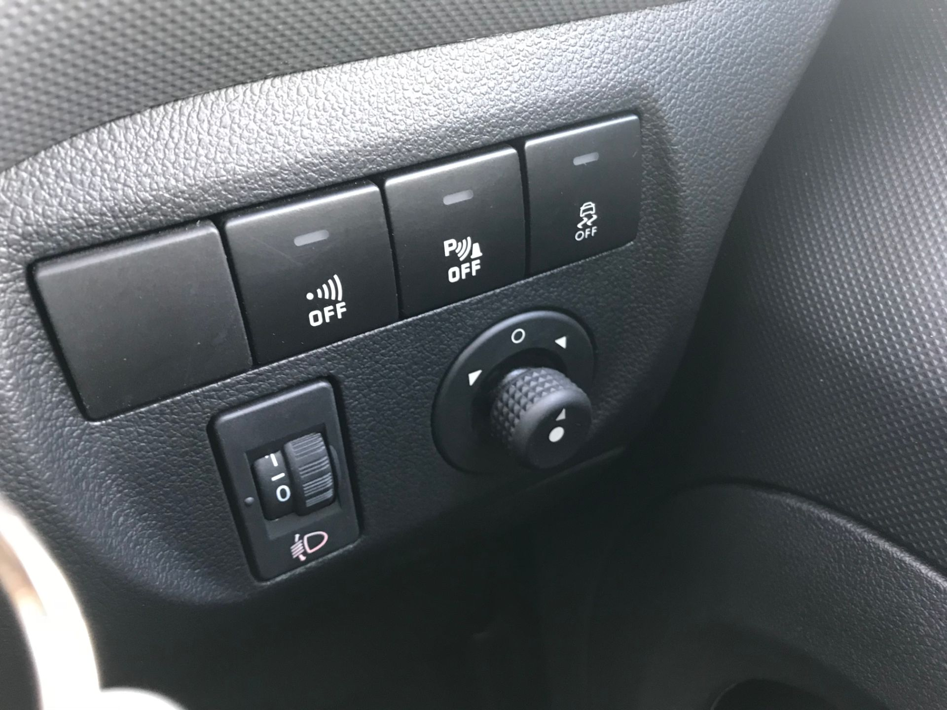 2018 Peugeot Partner 850 1.6 Bluehdi 100 Professional Van [Non Ss]*Restricted to 69MPH* (NV18PXR) Image 33