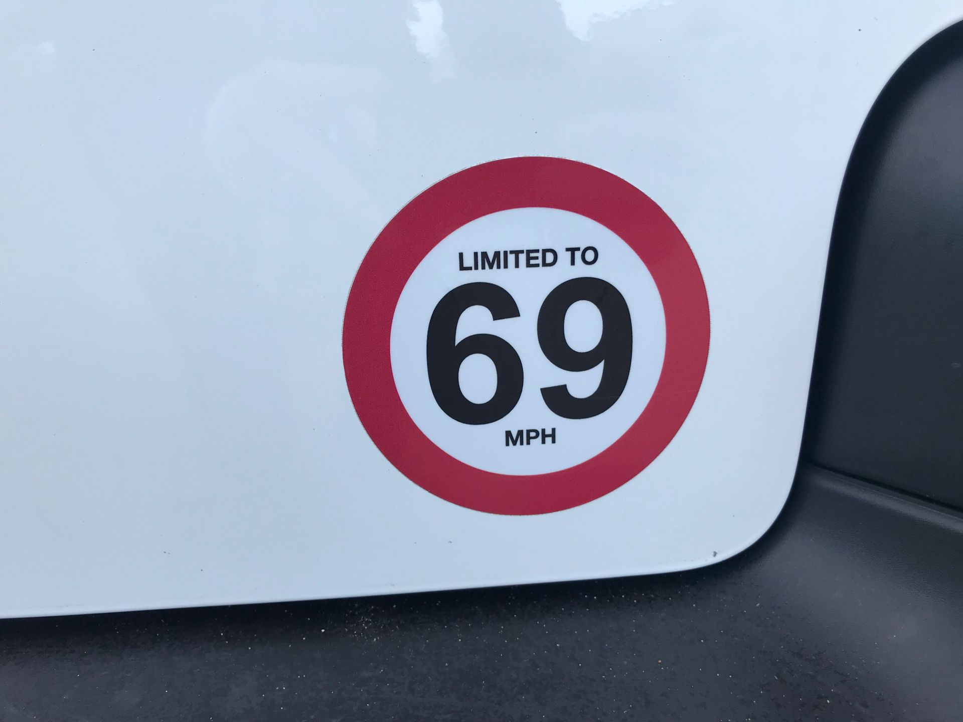 2018 Peugeot Partner 850 1.6 Bluehdi 100 Professional Van [Non Ss]*Restricted to 69MPH* (NV18PXR) Image 52