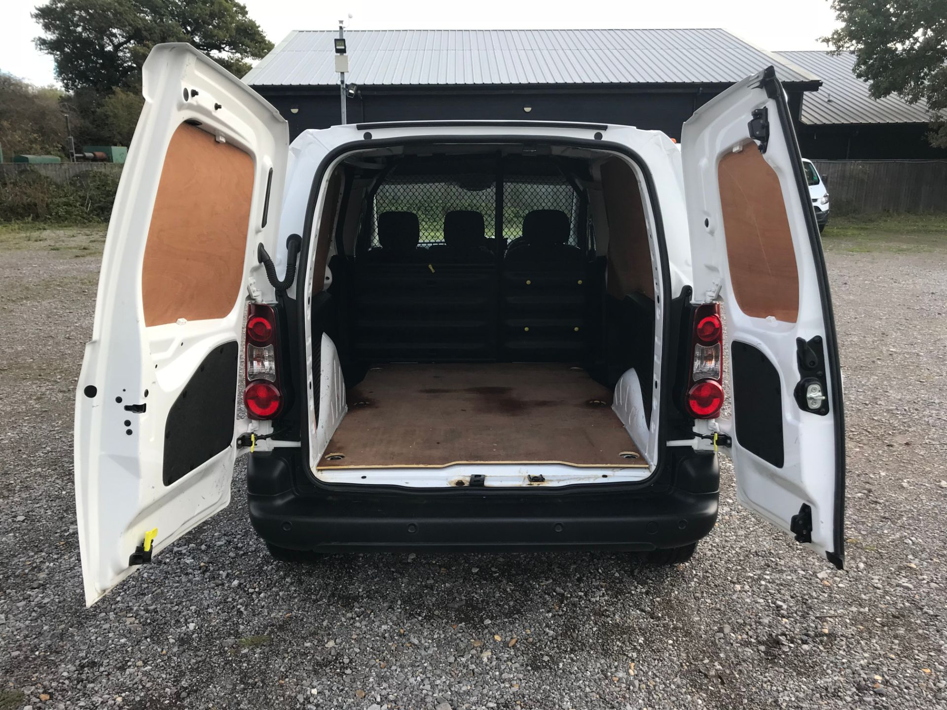 2018 Peugeot Partner 850 1.6 Bluehdi 100 Professional Van [Non Ss]*Restricted to 69MPH* (NV18PXR) Image 11