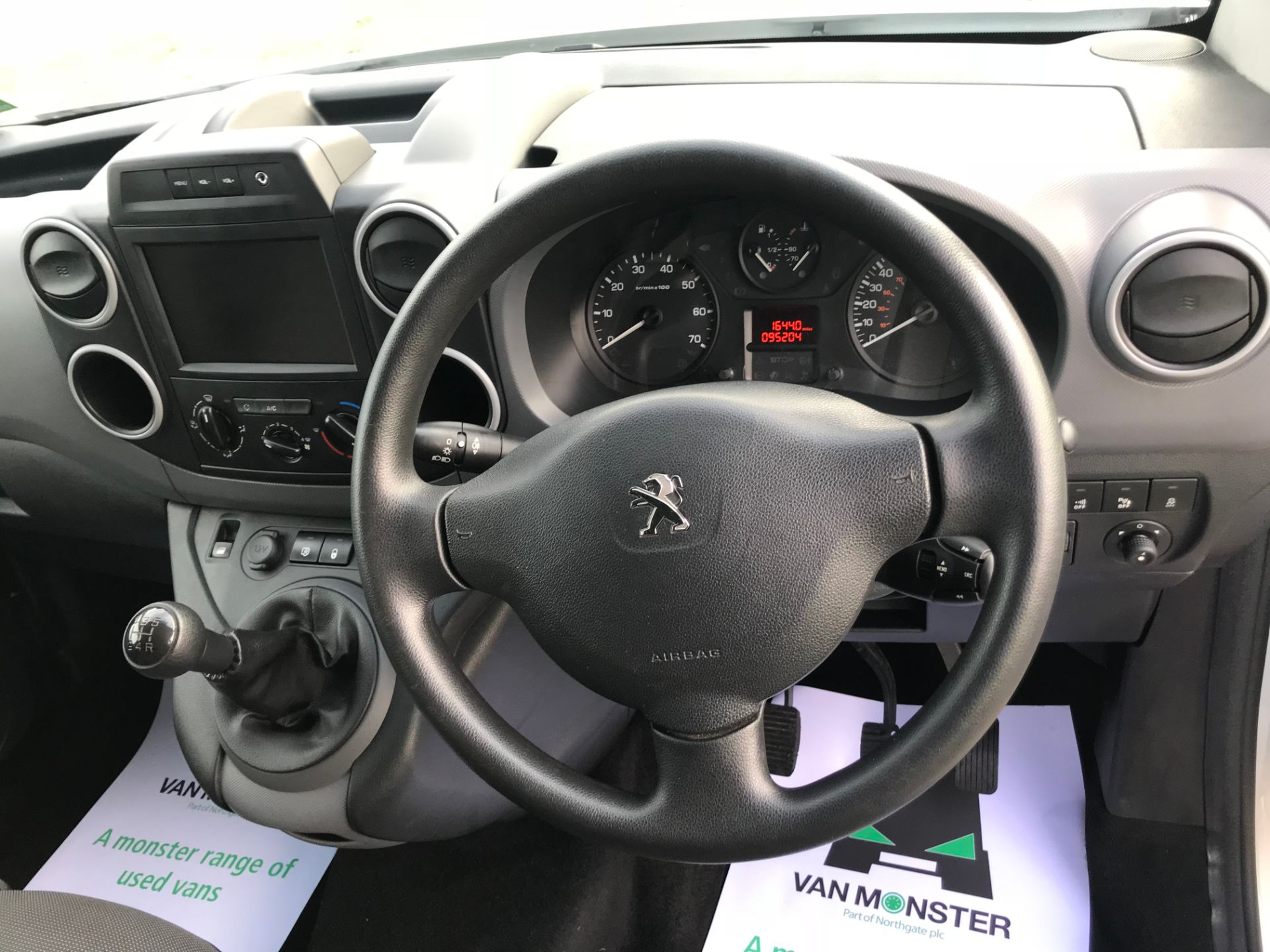 2018 Peugeot Partner 850 1.6 Bluehdi 100 Professional Van [Non Ss]*Restricted to 69MPH* (NV18PXR) Image 26