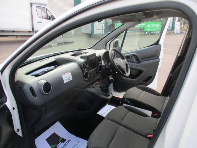2018 Peugeot Partner BLUEHDI 100PS PROFESSIONAL VAN (NON S/S) EURO 6 (NV18PYD) Image 16