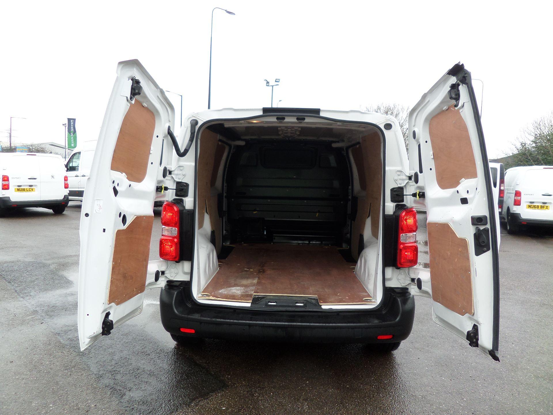 2018 Peugeot Expert 1000 1.6 Bluehdi 95 Professional Van Euro 6 (NV18PZP) Image 6