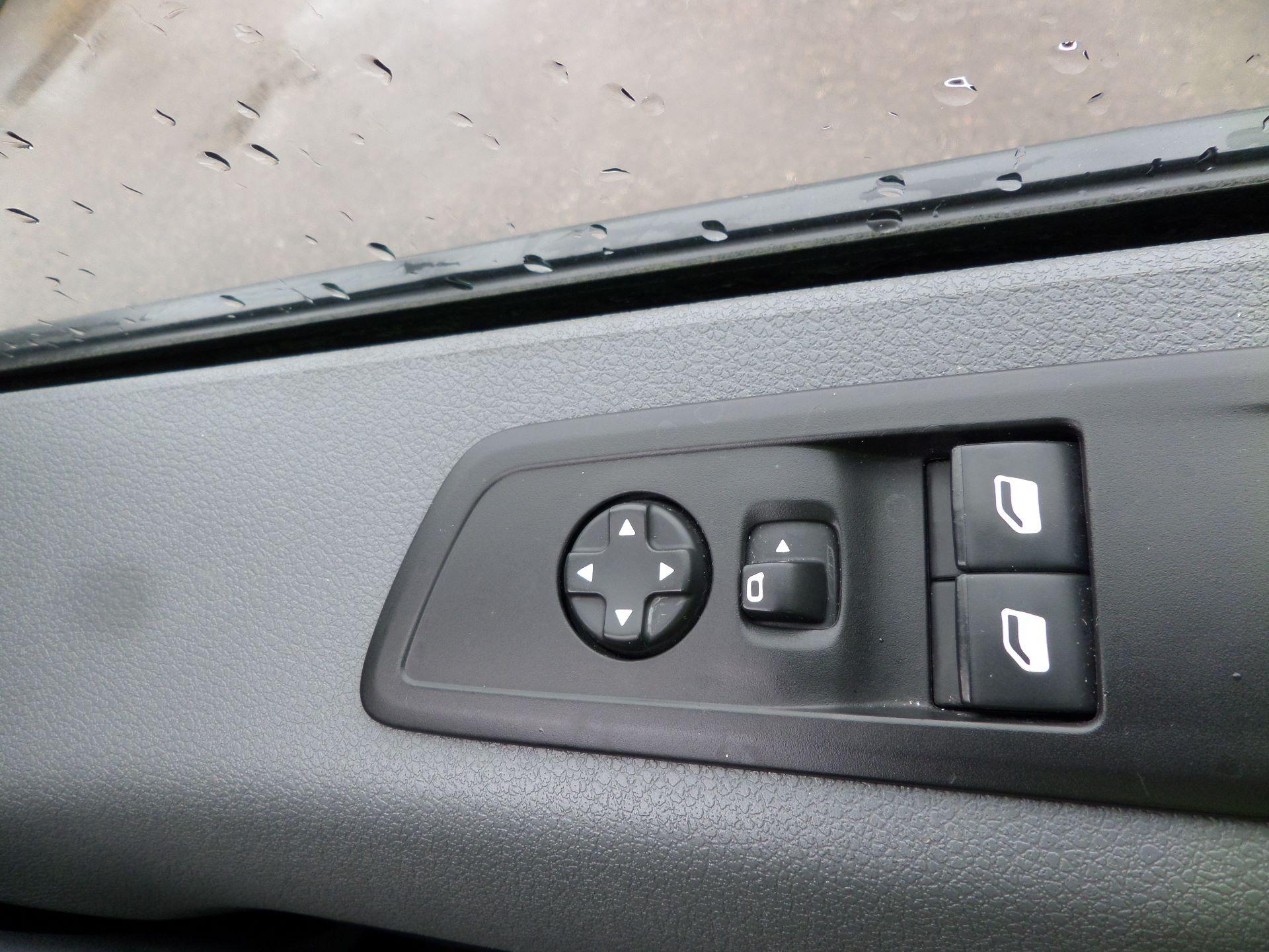 2018 Peugeot Expert 1000 1.6 Bluehdi 95 Professional Van Euro 6 (NV18PZP) Image 18