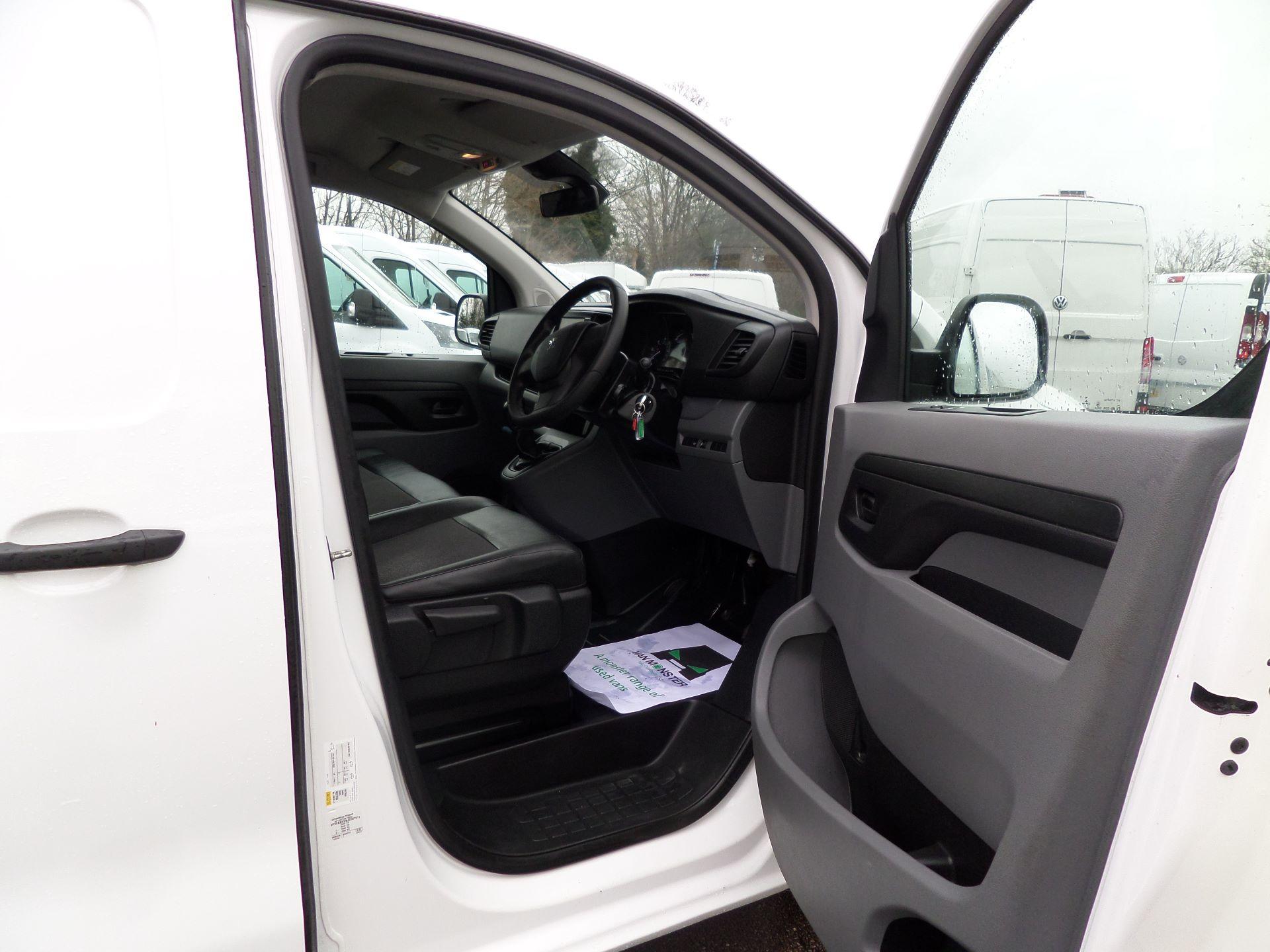 2018 Peugeot Expert 1000 1.6 Bluehdi 95 Professional Van Euro 6 (NV18PZP) Image 14