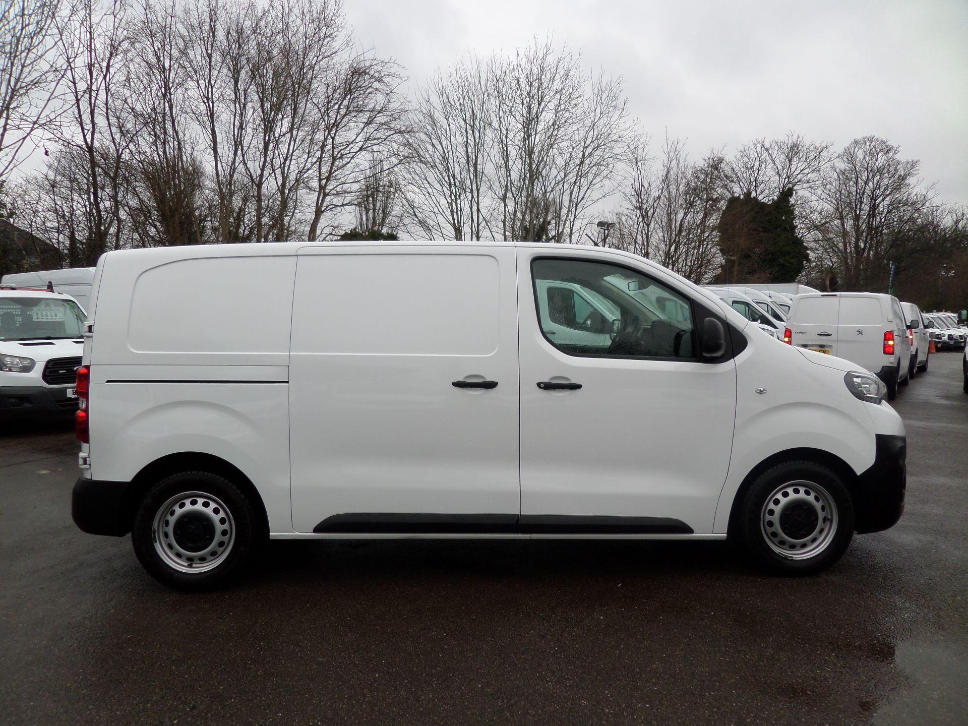 2018 Peugeot Expert 1000 1.6 Bluehdi 95 Professional Van Euro 6 (NV18PZP) Image 2