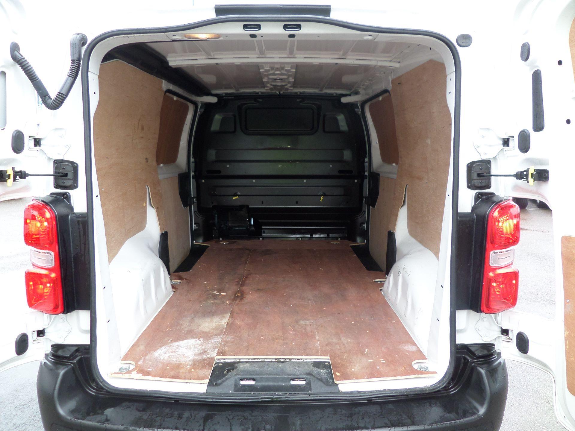 2018 Peugeot Expert 1000 1.6 Bluehdi 95 Professional Van Euro 6 (NV18PZP) Image 7