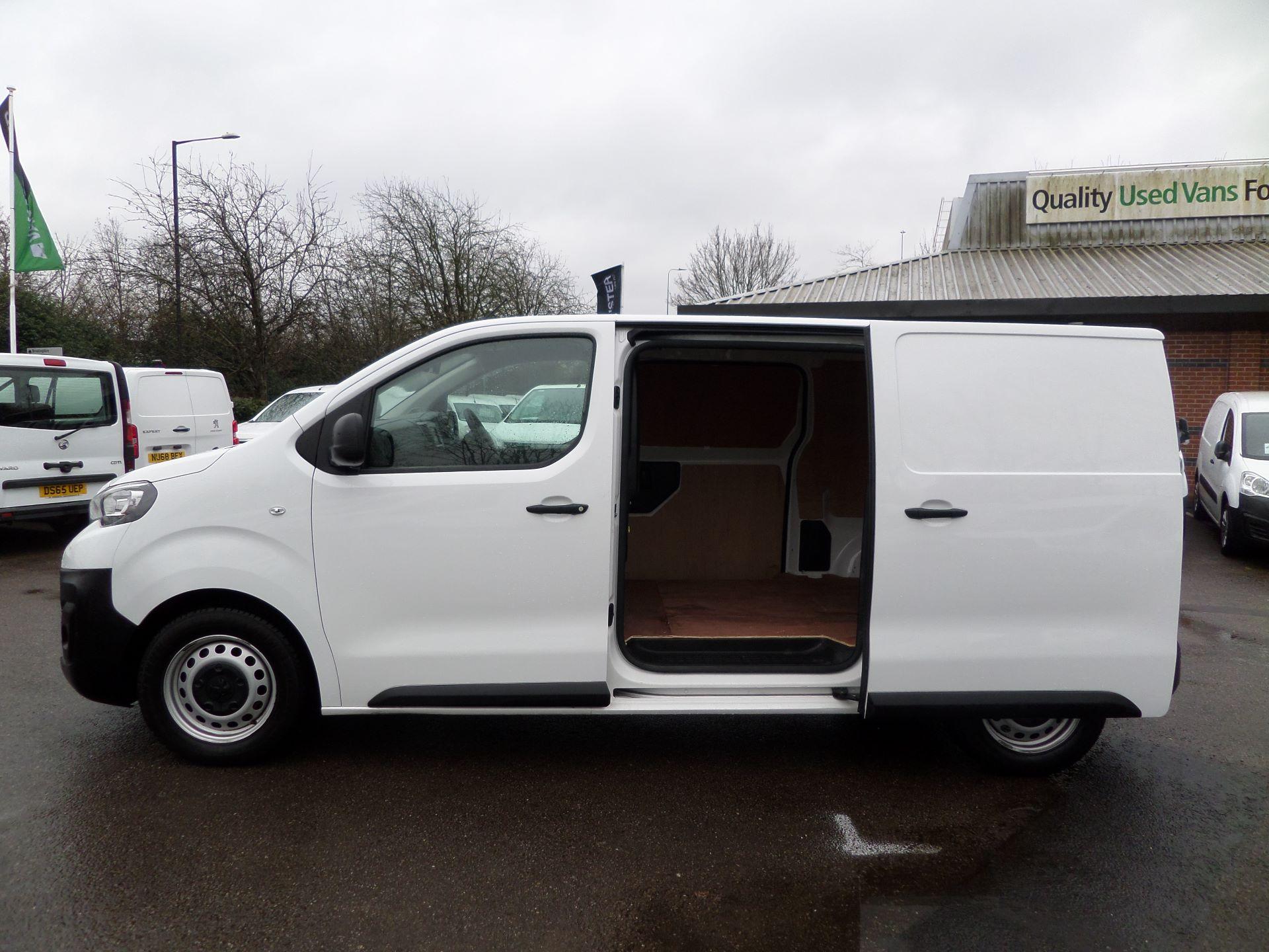 2018 Peugeot Expert 1000 1.6 Bluehdi 95 Professional Van Euro 6 (NV18PZP) Image 10