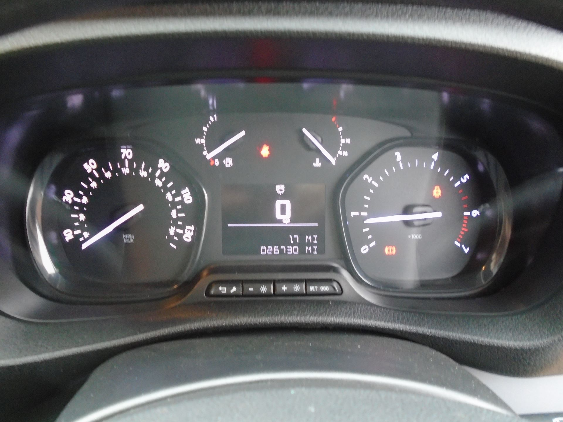 2018 Peugeot Expert 1000 1.6 Bluehdi 95 Professional Van(EURO 6) (NV18UNM) Image 23