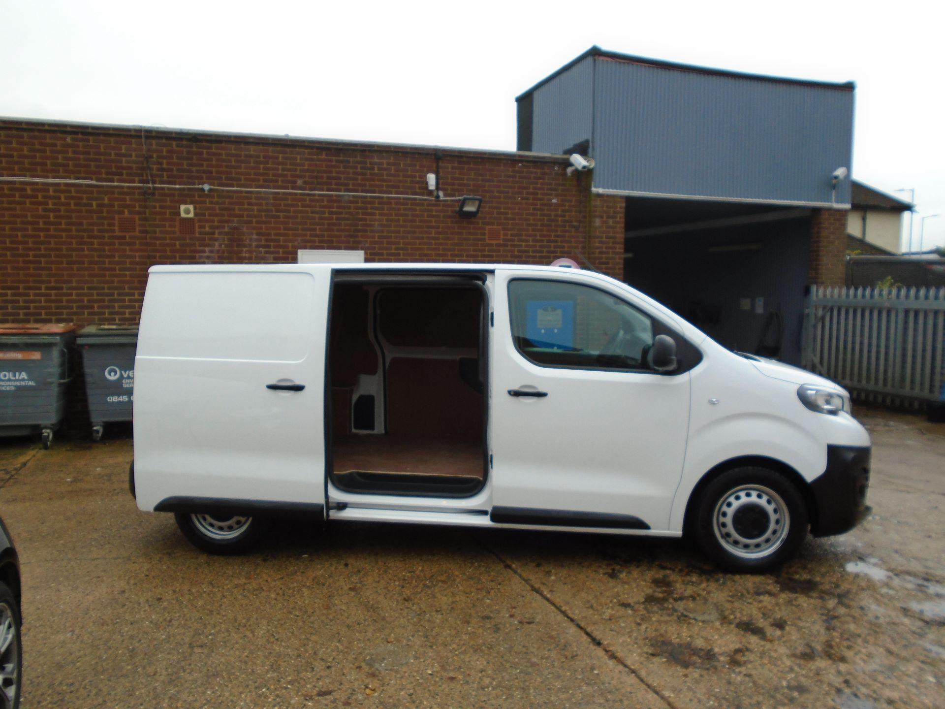 2018 Peugeot Expert 1000 1.6 Bluehdi 95 Professional Van(EURO 6) (NV18UNM) Image 5