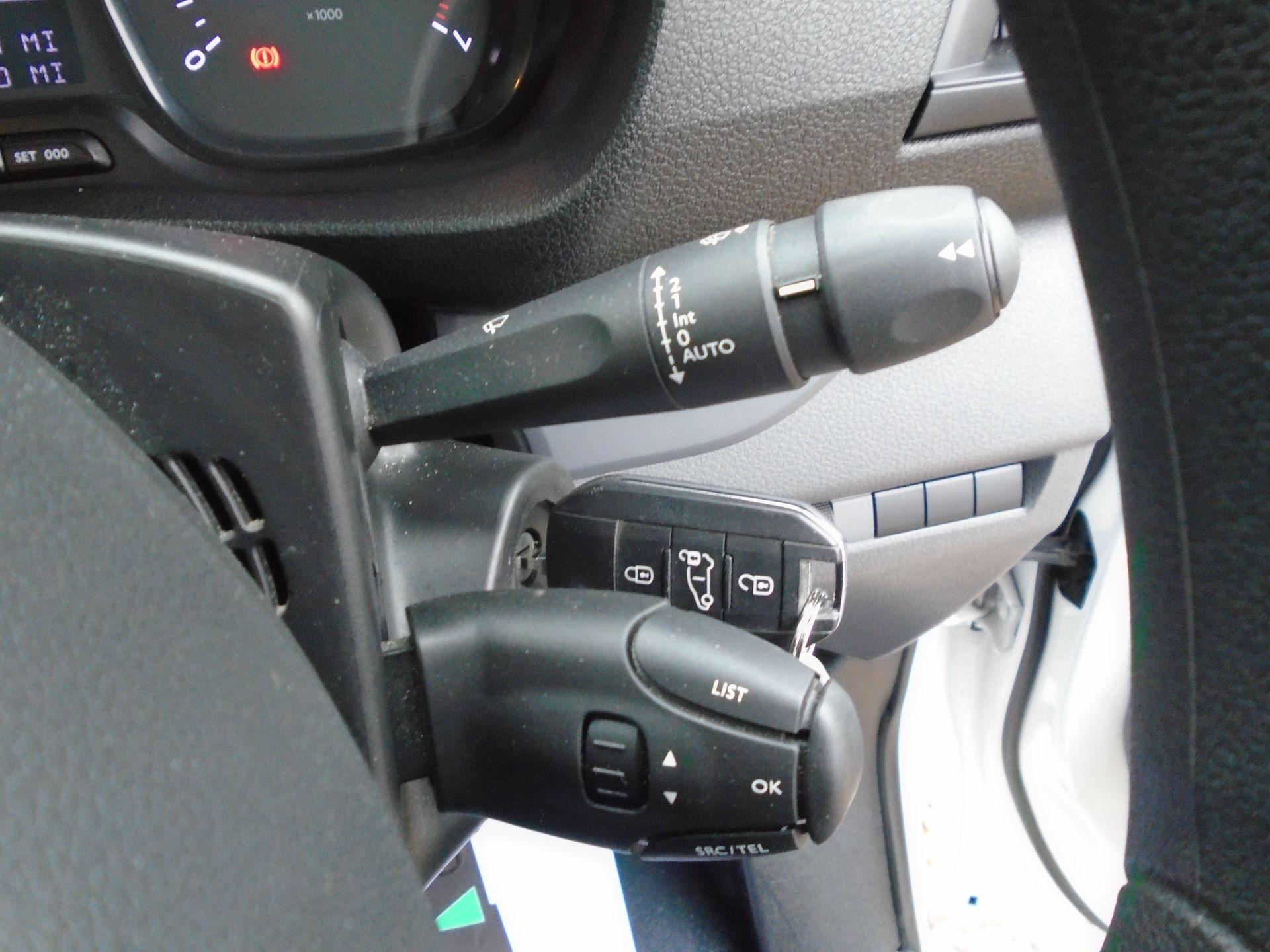 2018 Peugeot Expert 1000 1.6 Bluehdi 95 Professional Van(EURO 6) (NV18UNM) Image 26