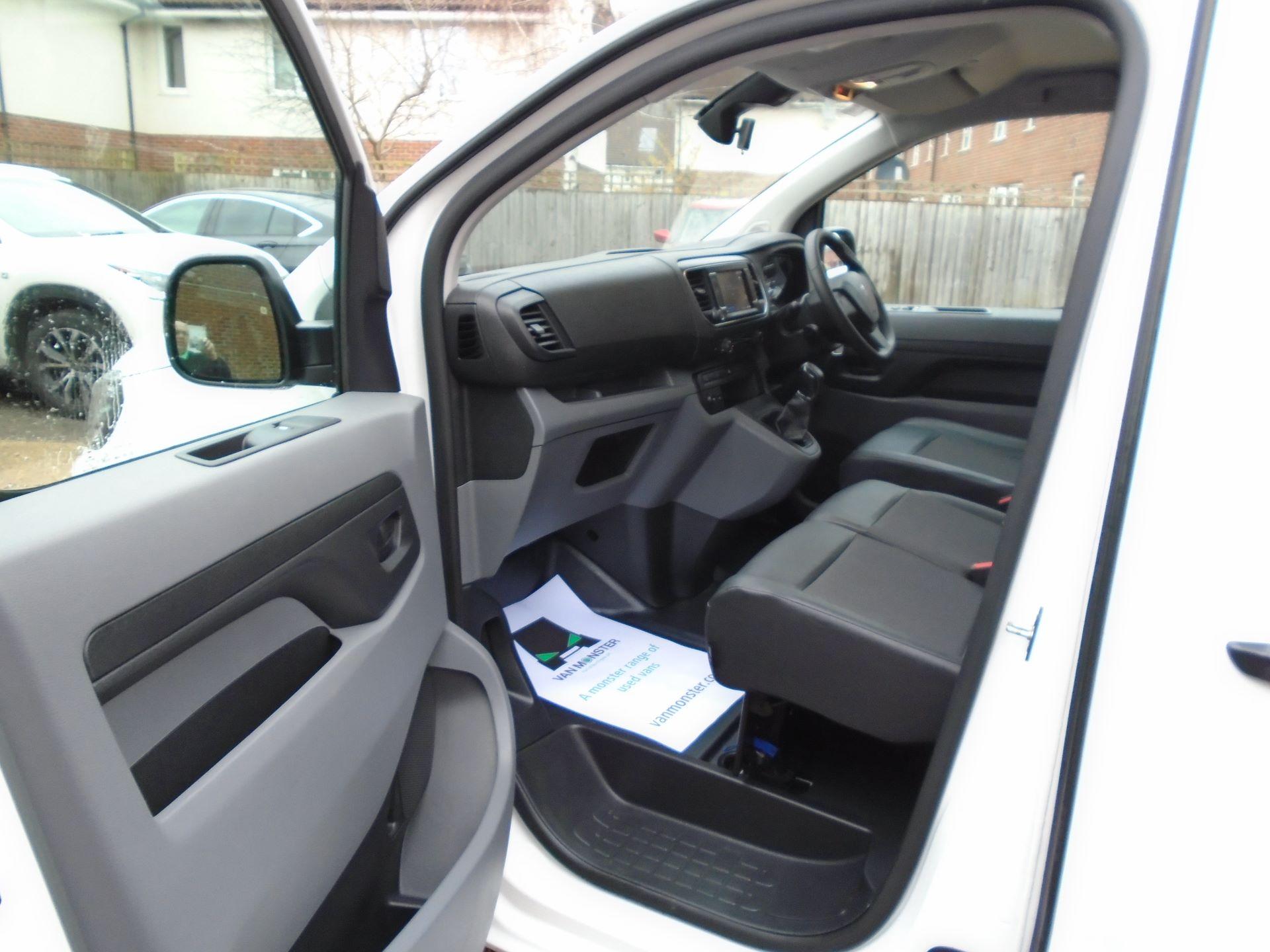 2018 Peugeot Expert 1000 1.6 Bluehdi 95 Professional Van(EURO 6) (NV18UNM) Image 17