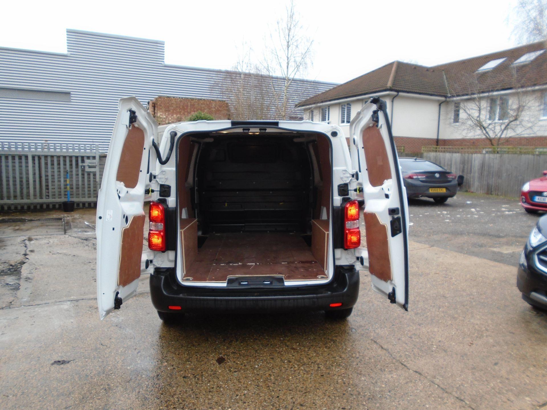 2018 Peugeot Expert 1000 1.6 Bluehdi 95 Professional Van(EURO 6) (NV18UNM) Image 8