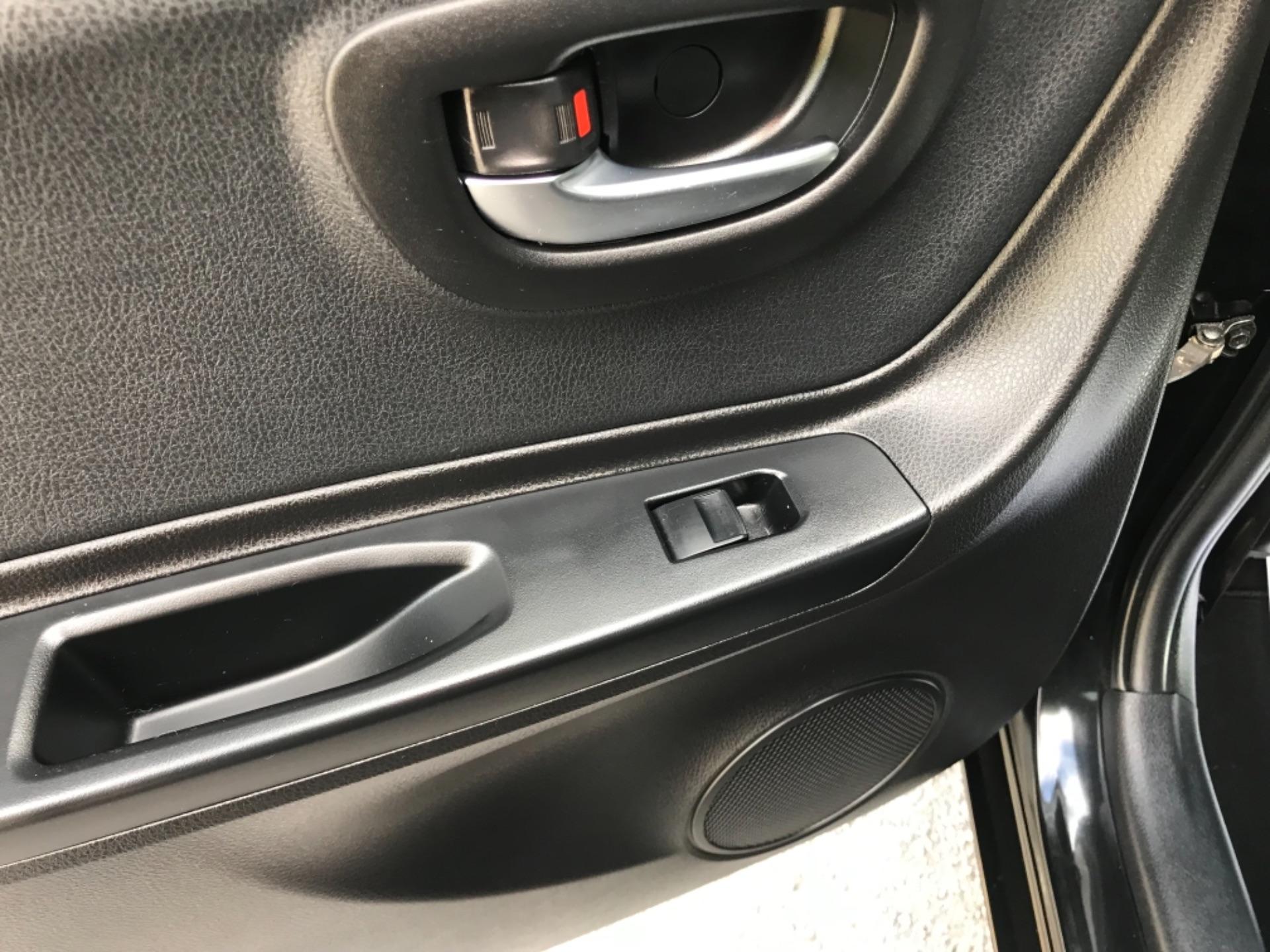 2018 Toyota Yaris 1.5 Hybrid Excel 5Dr Cvt (NV18UZP) Image 44