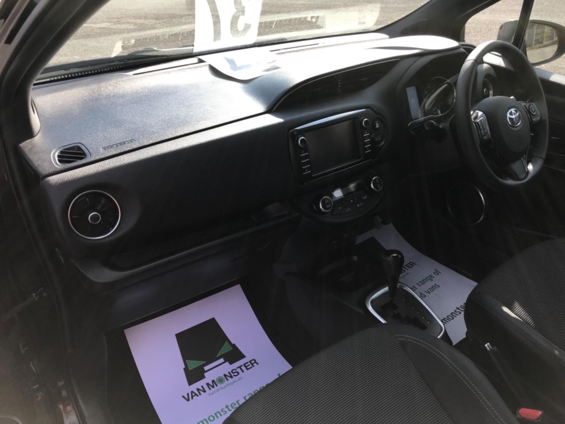 2018 Toyota Yaris 1.5 Hybrid Excel 5Dr Cvt (NV18UZP) Image 34