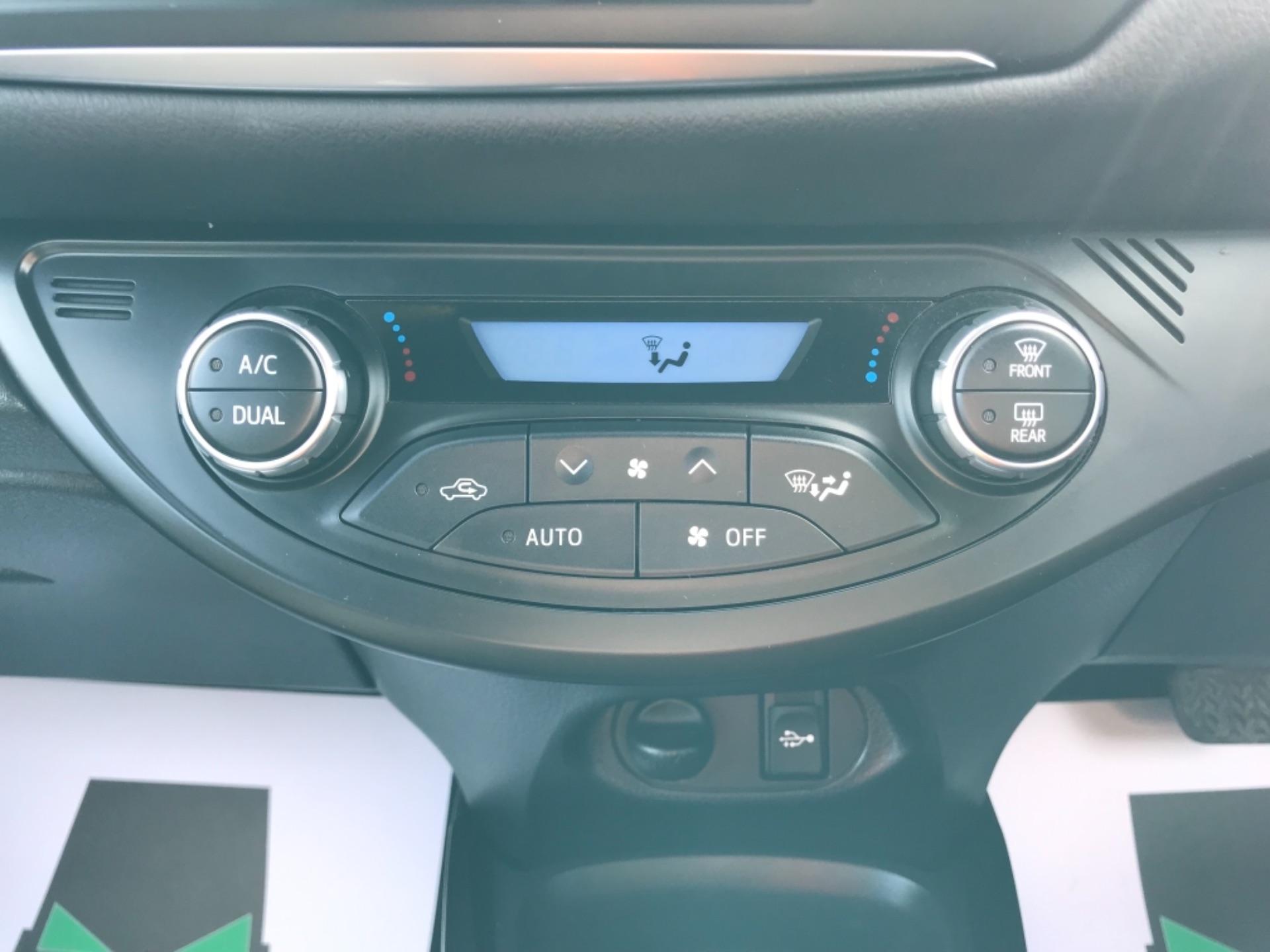 2018 Toyota Yaris 1.5 Hybrid Excel 5Dr Cvt (NV18UZP) Image 29
