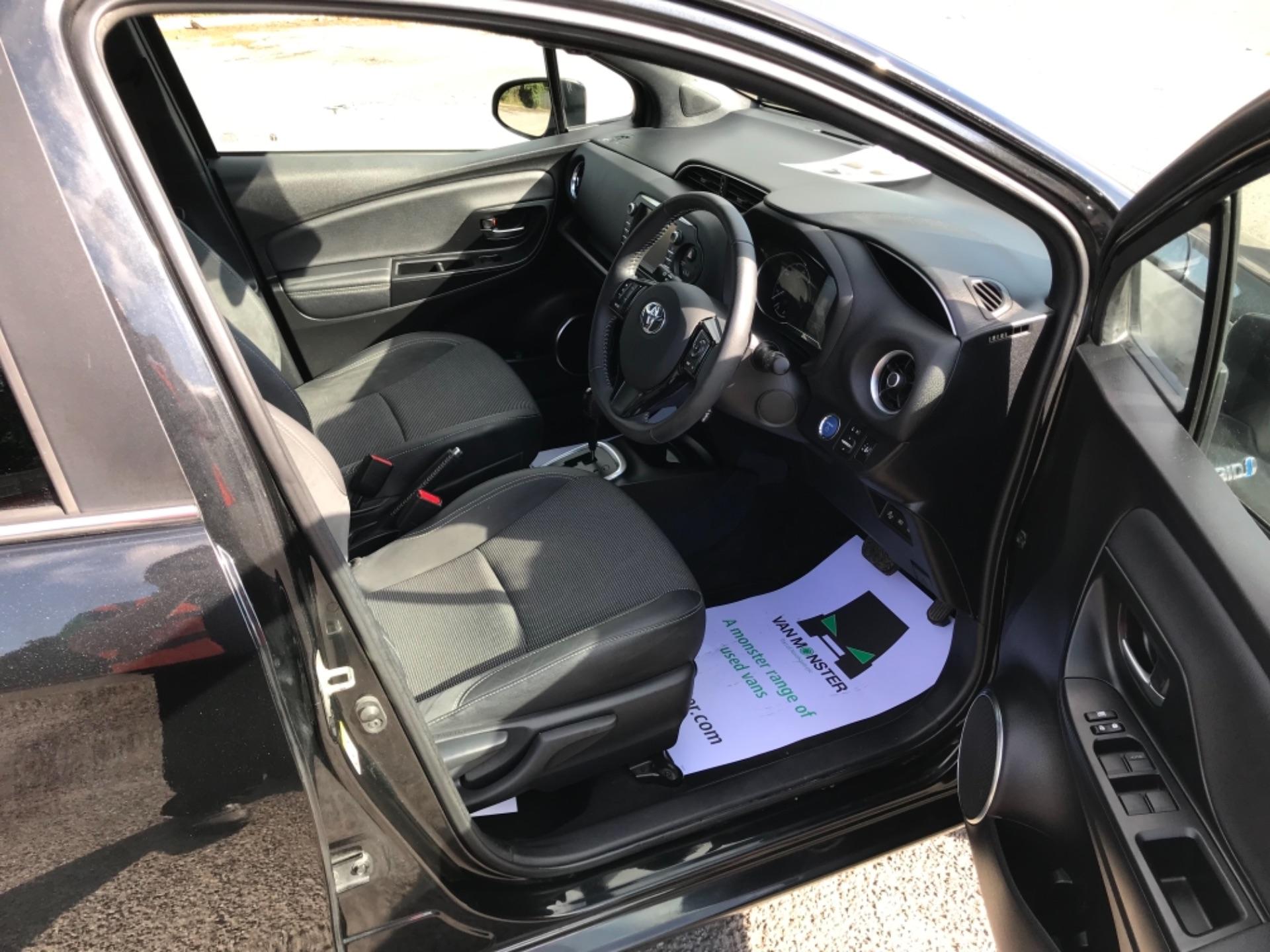 2018 Toyota Yaris 1.5 Hybrid Excel 5Dr Cvt (NV18UZP) Image 10