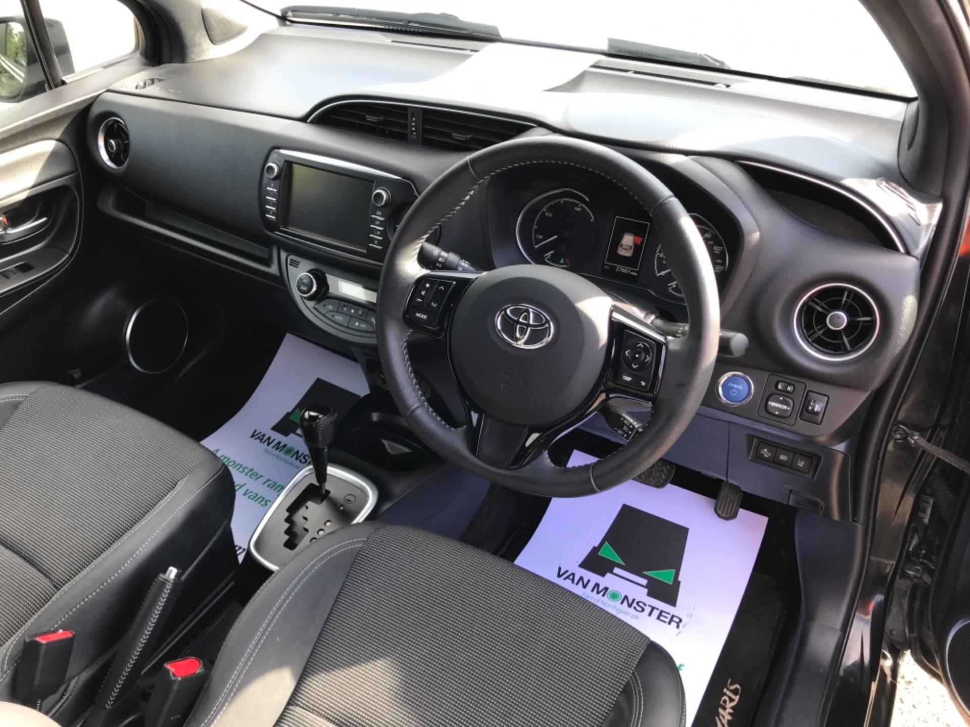 2018 Toyota Yaris 1.5 Hybrid Excel 5Dr Cvt (NV18UZP) Image 11