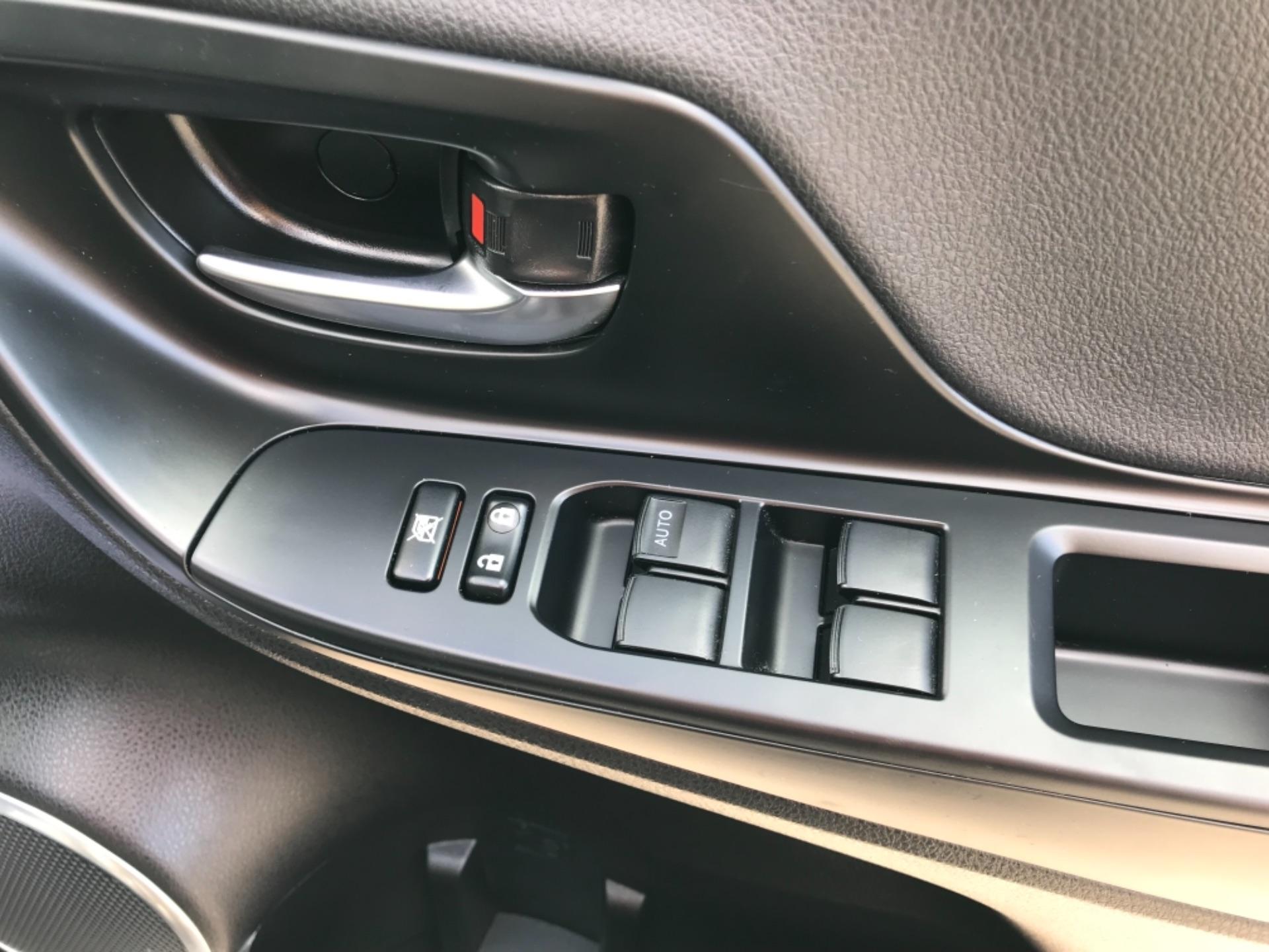 2018 Toyota Yaris 1.5 Hybrid Excel 5Dr Cvt (NV18UZP) Image 15
