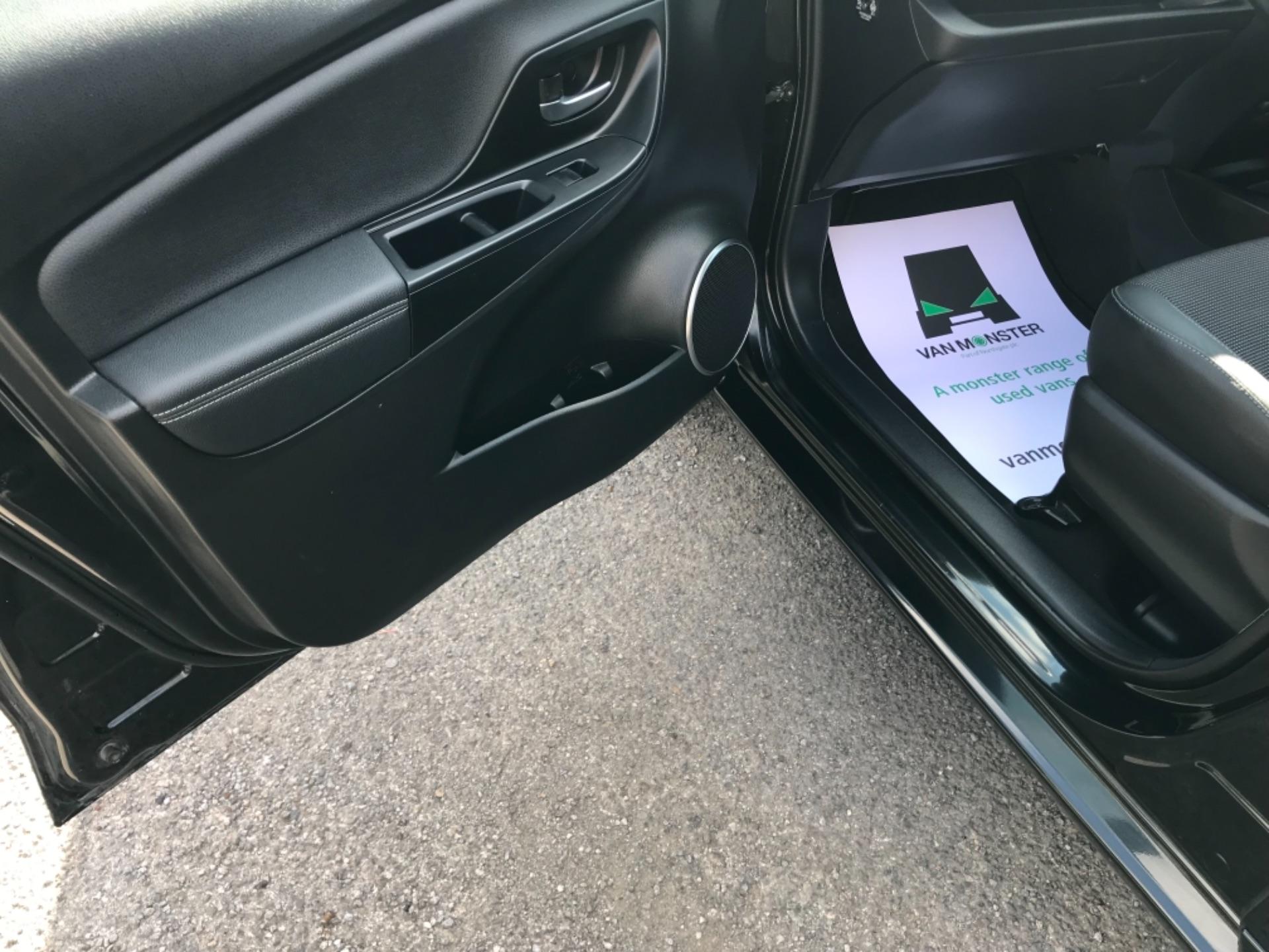 2018 Toyota Yaris 1.5 Hybrid Excel 5Dr Cvt (NV18UZP) Image 36