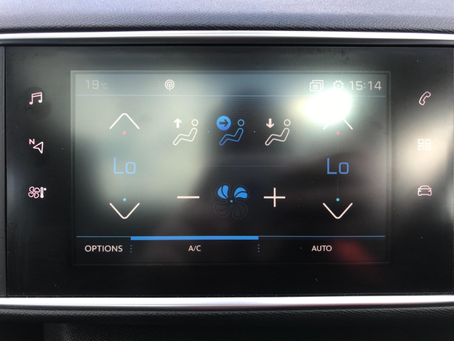 2018 Peugeot 308 1.5 Bluehdi 130 Allure 5Dr (NV18ZWY) Image 32