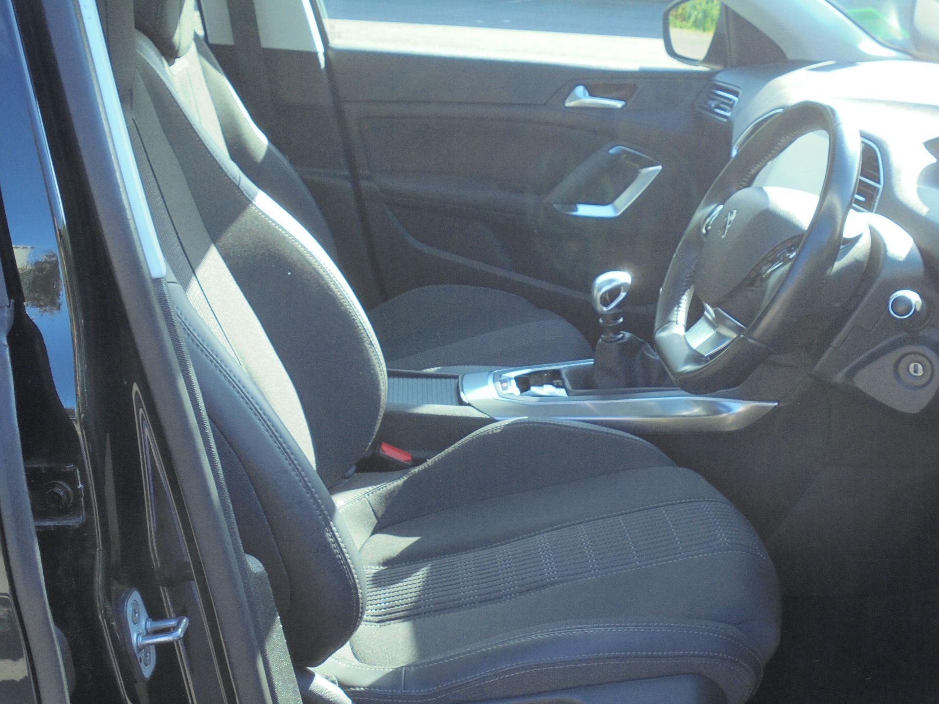 2018 Peugeot 308 1.5 Bluehdi 130 Allure 5Dr (NV18ZXA) Image 12